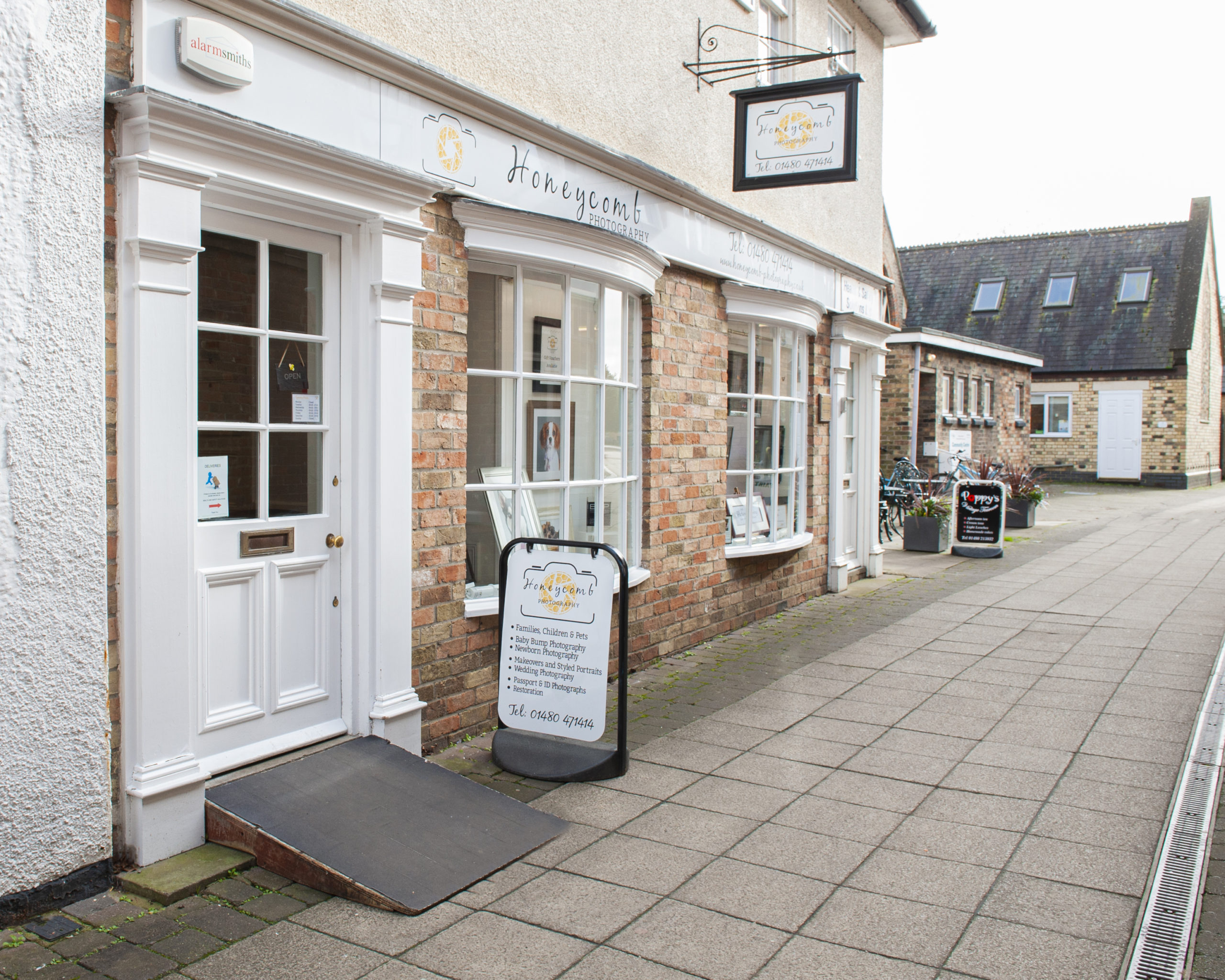 St Neots Picture Framing Is Located At Honeycomb Photography